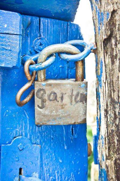 Garten Wall Art - Photograph - Padlock by Tom Gowanlock