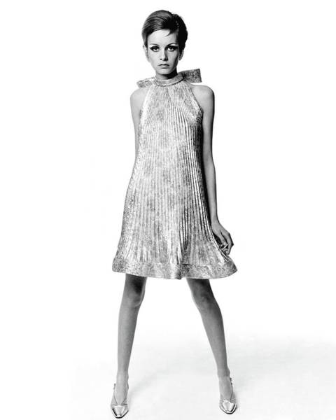Caucasian Wall Art - Photograph - Portrait Of Twiggy by Bert Stern