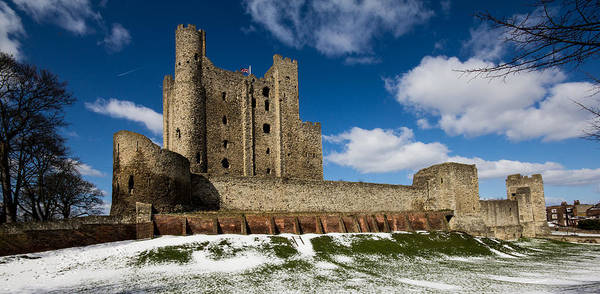 Medway Wall Art - Photograph - Rochester Castle by Dawn OConnor