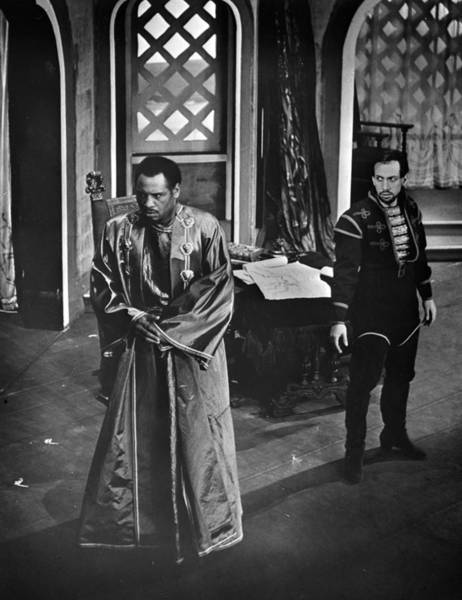 Wall Art - Photograph - Theatre Othello, 1943 by Granger