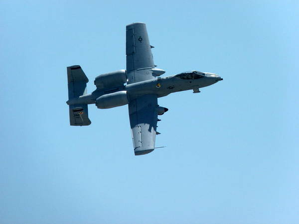 Photograph - Usaf A10 Thunderbolt by Jeff Lowe