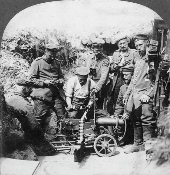 Wall Art - Photograph - World War I Machine Gun by Granger