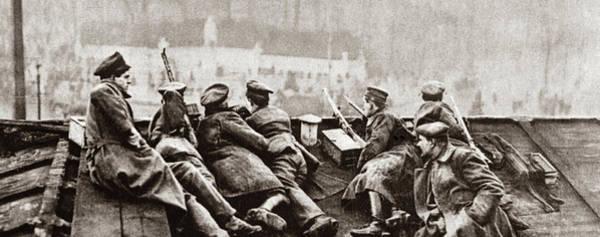 Wall Art - Photograph - World War I Revolution by Granger