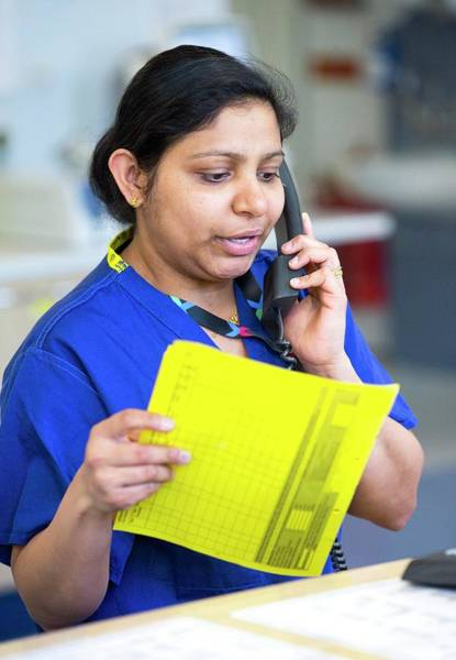Patient Photograph - Hospital Staff by Mark Thomas/science Photo Library