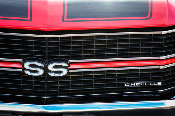 Chevy Chevelle Wall Art - Photograph - 1970 Chevrolet Chevelle Ss Grille Emblem by Jill Reger
