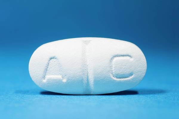 Pharmaceutics Wall Art - Photograph - Augmentin Antibiotic Drug by Dr P. Marazzi/science Photo Library
