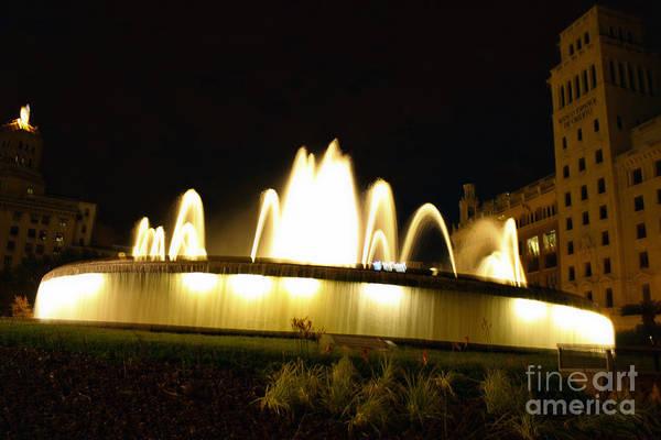 Photograph - Barcelona Spain - Placa De Catalunya Fountain by Gregory Dyer