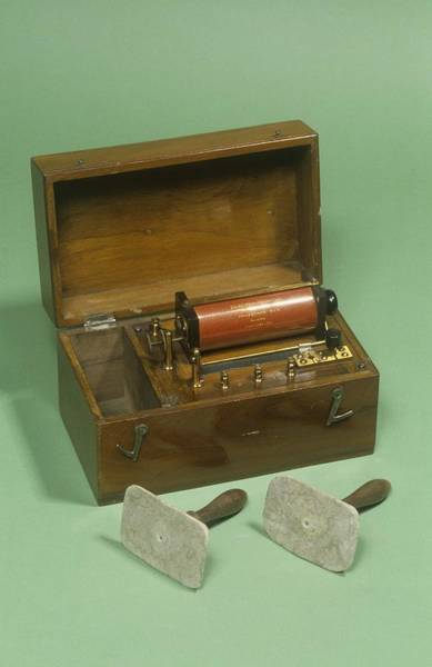Nineteenth Century Photograph - Galvanic Coil by Science Photo Library
