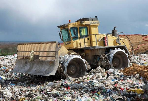 Bulldozer Photograph - Landfill Site by Pascal Goetgheluck/science Photo Library