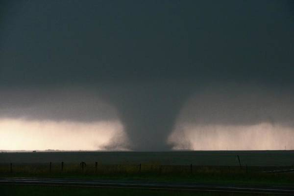 Wall Art - Photograph - Large Tornado by Jim Reed Photography/science Photo Library