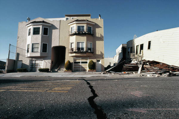 Wall Art - Photograph - Loma Prieta Earthquake by Peter Menzel/science Photo Library