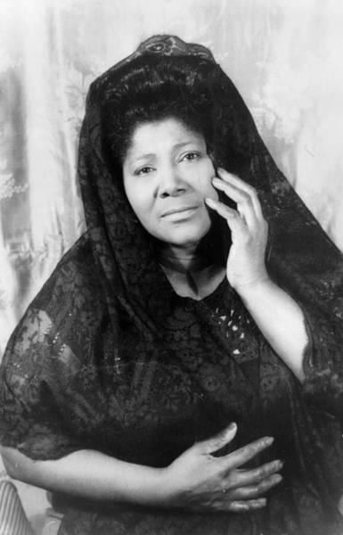 Wall Art - Photograph - Mahalia Jackson (1911-1972) by Granger