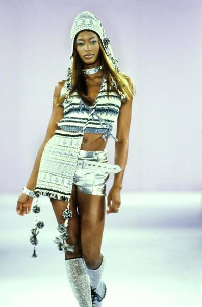Naomi Campbell On A Runway For Anna Sui Art Print by Guy Marineau