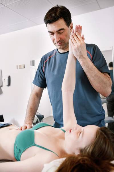 Therapist Photograph - Shoulder Physiotherapy by Thomas Fredberg