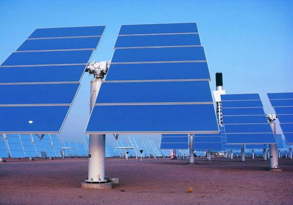 Wall Art - Photograph - Solar One Solar Power Station by Peter Menzel/science Photo Library
