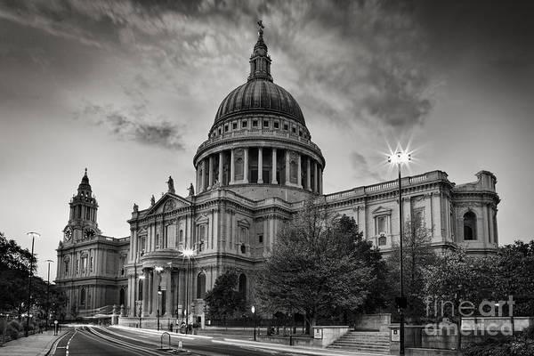 Wall Art - Photograph - St Paul's London by Rod McLean