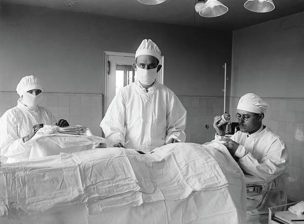Photograph - Surgery, 1922 by Granger