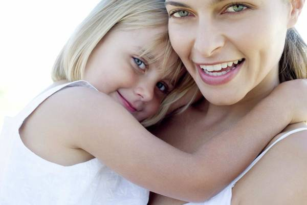 Parent Photograph - Mother And Daughter by Ian Hooton/science Photo Library