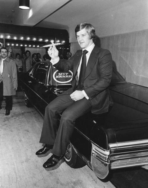 Art In Canada Photograph - Bobby Orr by Retro Images Archive
