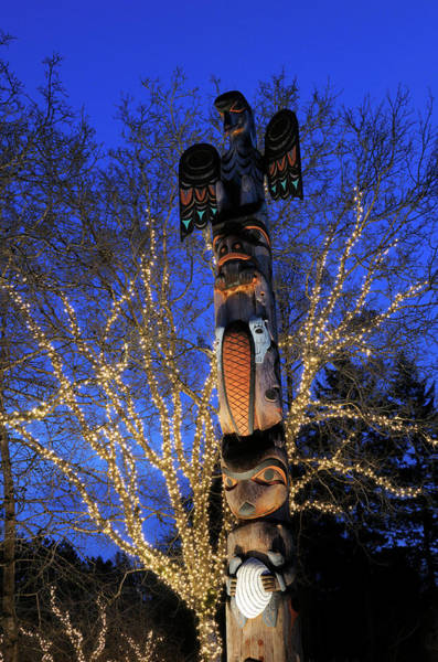 Totem Pole Wall Art - Photograph - Canada, British Columbia, Victoria by Kevin Oke