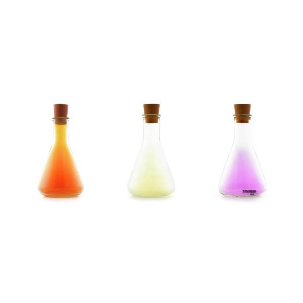 Flask Wall Art - Photograph - Flasks Containing Halogens by Science Photo Library