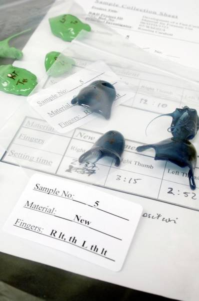Cardiff Photograph - Forensics Fingerprinting Material Testing by Paul Avis/science Photo Library