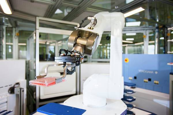 Biomedical Engineering Wall Art - Photograph - Phenotypic Screening Laboratory Robot by Lewis Houghton/science Photo Library