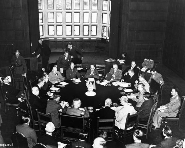 Wall Art - Photograph - Potsdam Conference, 1945 by Granger