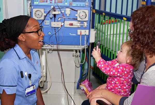 Wall Art - Photograph - Paediatric Dialysis Unit by Life In View/science Photo Library
