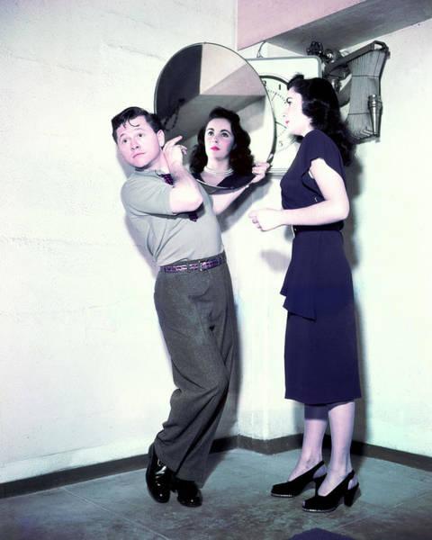 Wall Art - Photograph - Elizabeth Taylor by Silver Screen
