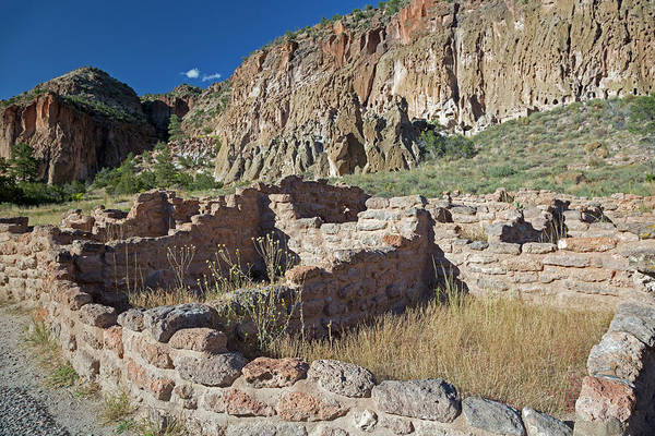 Anasazi Ruin Photograph - Bandelier National Monument by Jim West