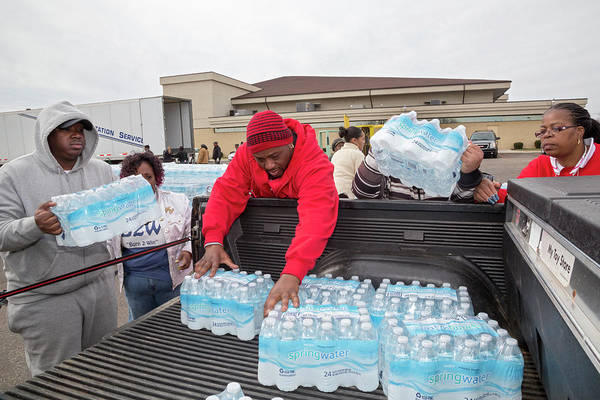 Crisis Photograph - Flint Bottled Drinking Water Distribution by Jim West