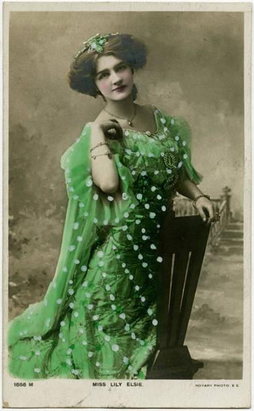 Wall Art - Photograph - Lily Elsie (1886 - 1962), Popular by Mary Evans Picture Library