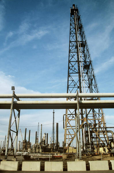 Wall Art - Photograph - Oil Refinery by David Hay Jones/science Photo Library