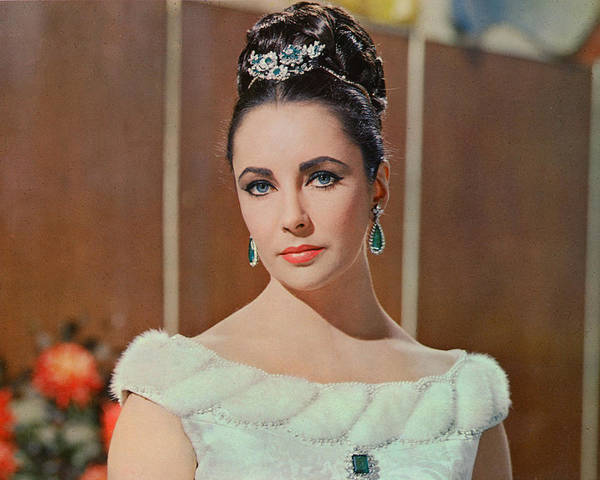 Wall Art - Photograph - Elizabeth Taylor In The V.i.p.s by Silver Screen