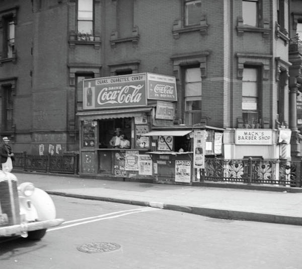 Wall Art - Photograph - New York City, 1938 by Granger