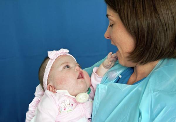 Wall Art - Photograph - Paediatric Nursing by Life In View/science Photo Library