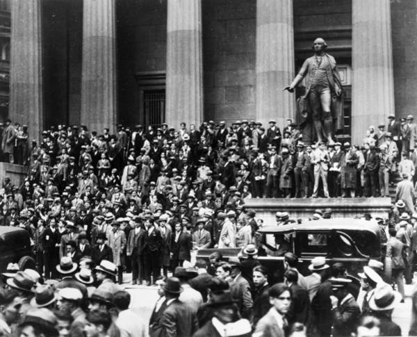 Wall Art - Photograph - Wall Street Crash, 1929 by Granger