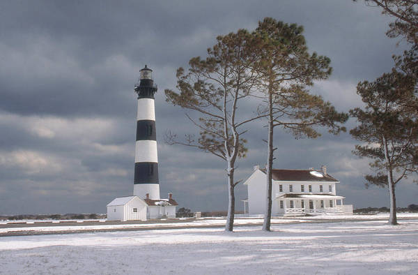 Photograph - Bodie Island Lighthouse by Bruce Roberts