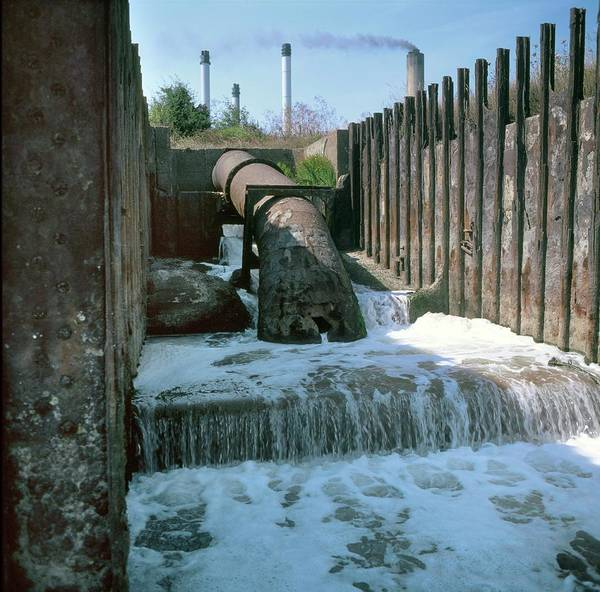 Wall Art - Photograph - Industrial Pollution by Robert Brook/science Photo Library