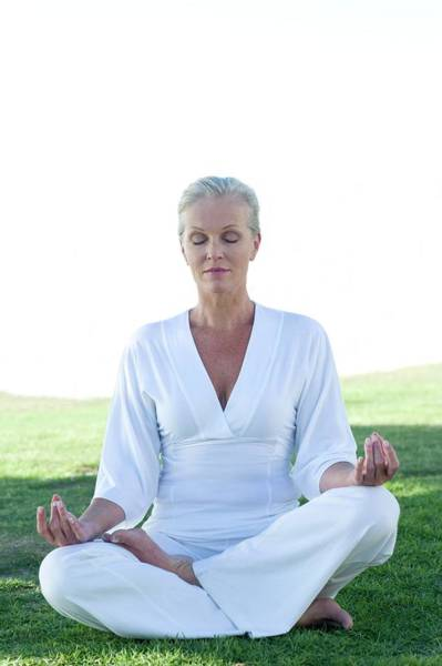 Mediation Photograph - Meditation by Ian Hooton/science Photo Library
