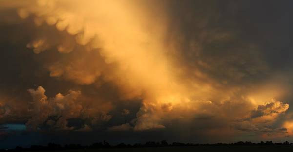 Photograph - Weak But Photograpic Nebraska Storm Cells by NebraskaSC