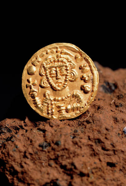 Wall Art - Photograph - 8th-century Gold Coin by Pasquale Sorrentino/science Photo Library