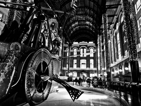 Hays Galleria Wall Art - Photograph - Hays Galleria London by David Pyatt