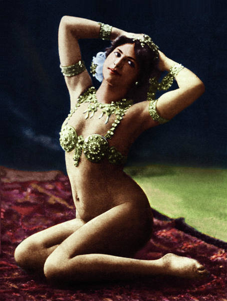Burlesque Dancer Photograph - Mata Hari (1876-1917) by Granger