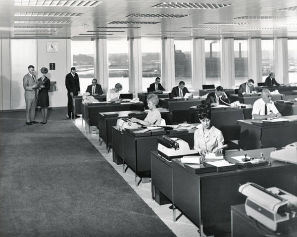 Wall Art - Photograph - A 1965 Modern Office by Underwood Archives