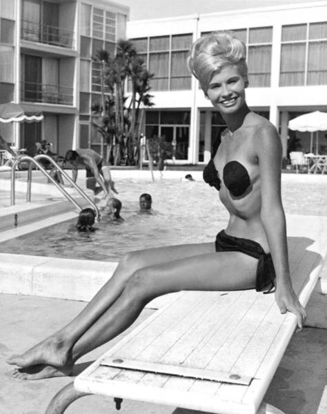 Photograph - A Blonde Wearing A Tri Kini by Underwood Archives