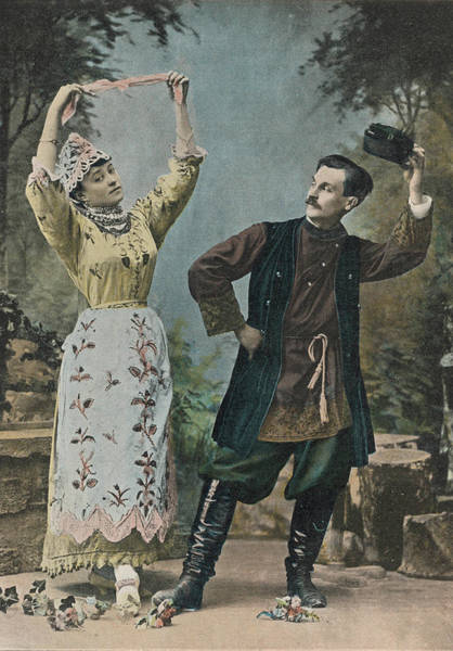 Wall Art - Photograph - A Couple In Traditional  Country Dress by Mary Evans Picture Library