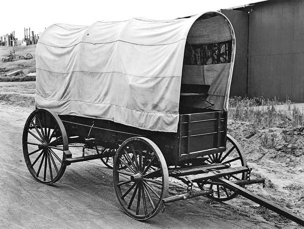 Photograph - A Covered Wagon by Underwood Archives