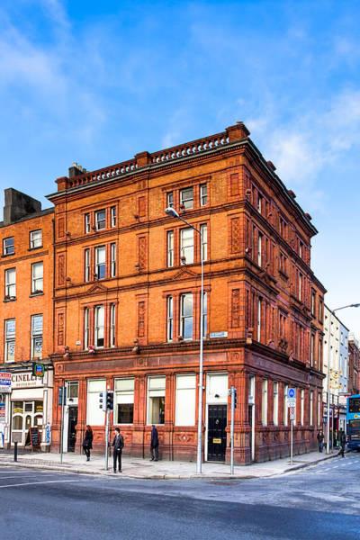 Photograph - A Dublin Street Scene On Cavendish Row by Mark Tisdale